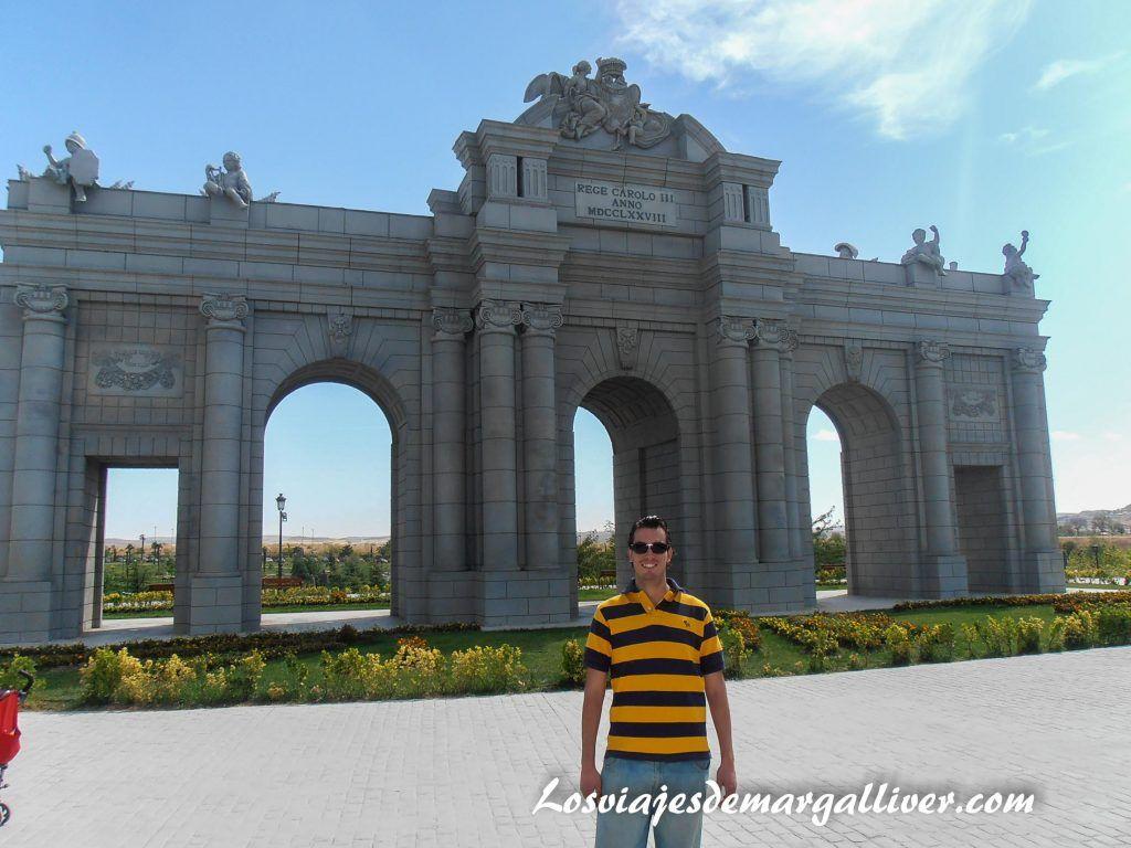puerta Alcalá parque europa en Madrid - Los viajes de Margalliver